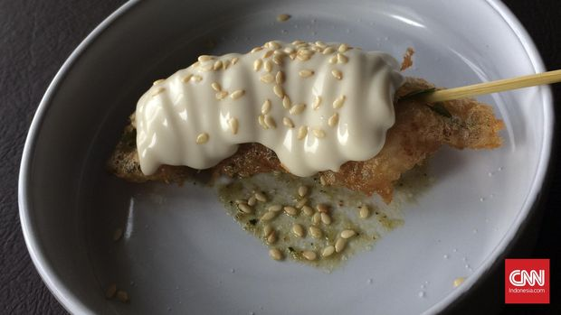Salah satu hidangan buatan chef bintang Michelin, Francesc Rovira, udang atau gambero rosso dengan kemangi dan kedelai. (CNN Indonesia/Endro Priherdityo)