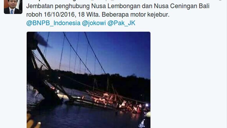 Jembatan Kuning Nusa Lembongan Bali ambruk (Foto: Screenshot akun twitter @Sutopo_BNPB)