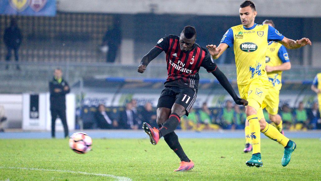 Kalahkan Chievo, Milan Naik ke Posisi Tiga