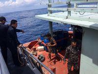 Kapal berbendara asing yang diduga melakukan pencurian ikan di Laut Natuna (Dok. Bakamla)