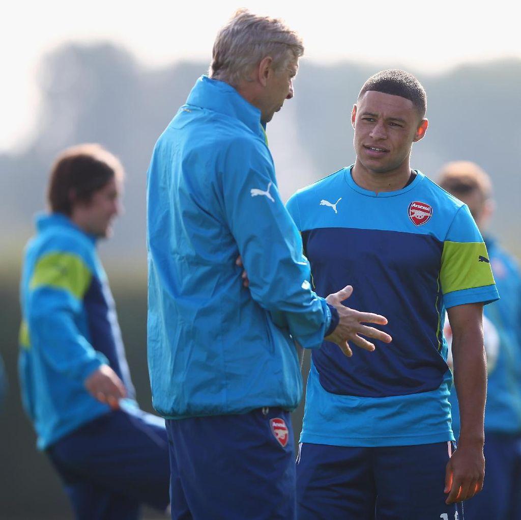 Wenger Ingin Oxlade-Chamberlain Bertahan di Arsenal