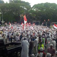 Massa di Balai Kota Malang