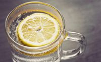 Begini Cara Benar Meracik Air Lemon untuk Diminum Tiap Pagi