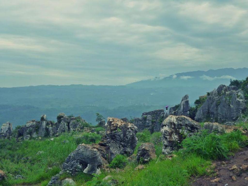 Biar Wisatawan Nggak Kapok ke Stone Garden, Ini yang harus Dilakukan
