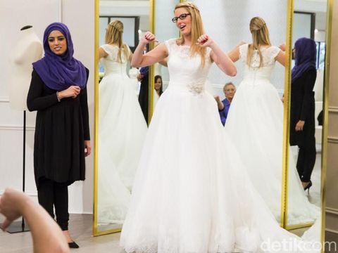 Berkenalan dengan Rania, Bintang TV Berhijab Pertama dari Kanada