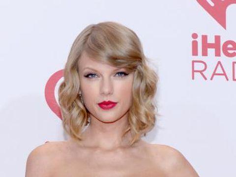 Tips Menentukan Belahan Rambut yang Tepat dari Hairstylist Selebriti