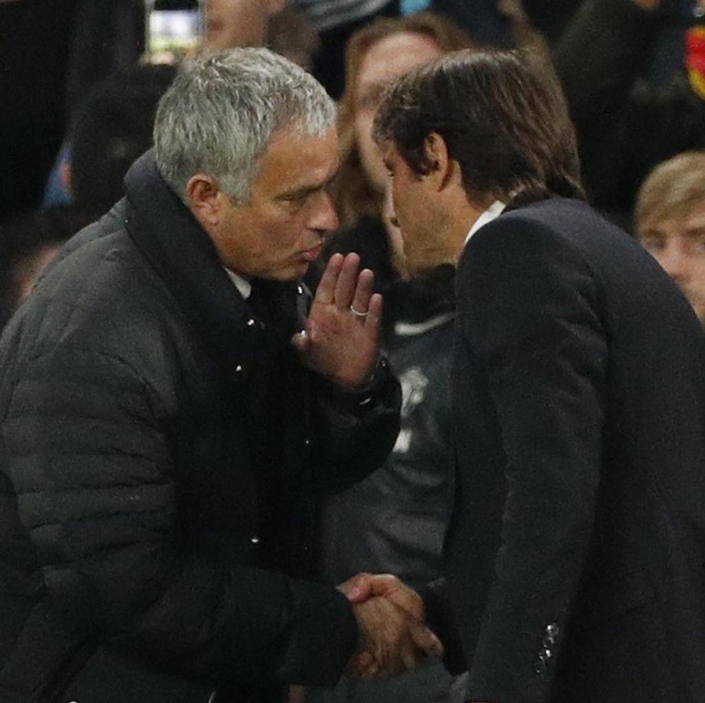 Soal Bisik-Bisik Mourinho, Conte Dibela Pedro