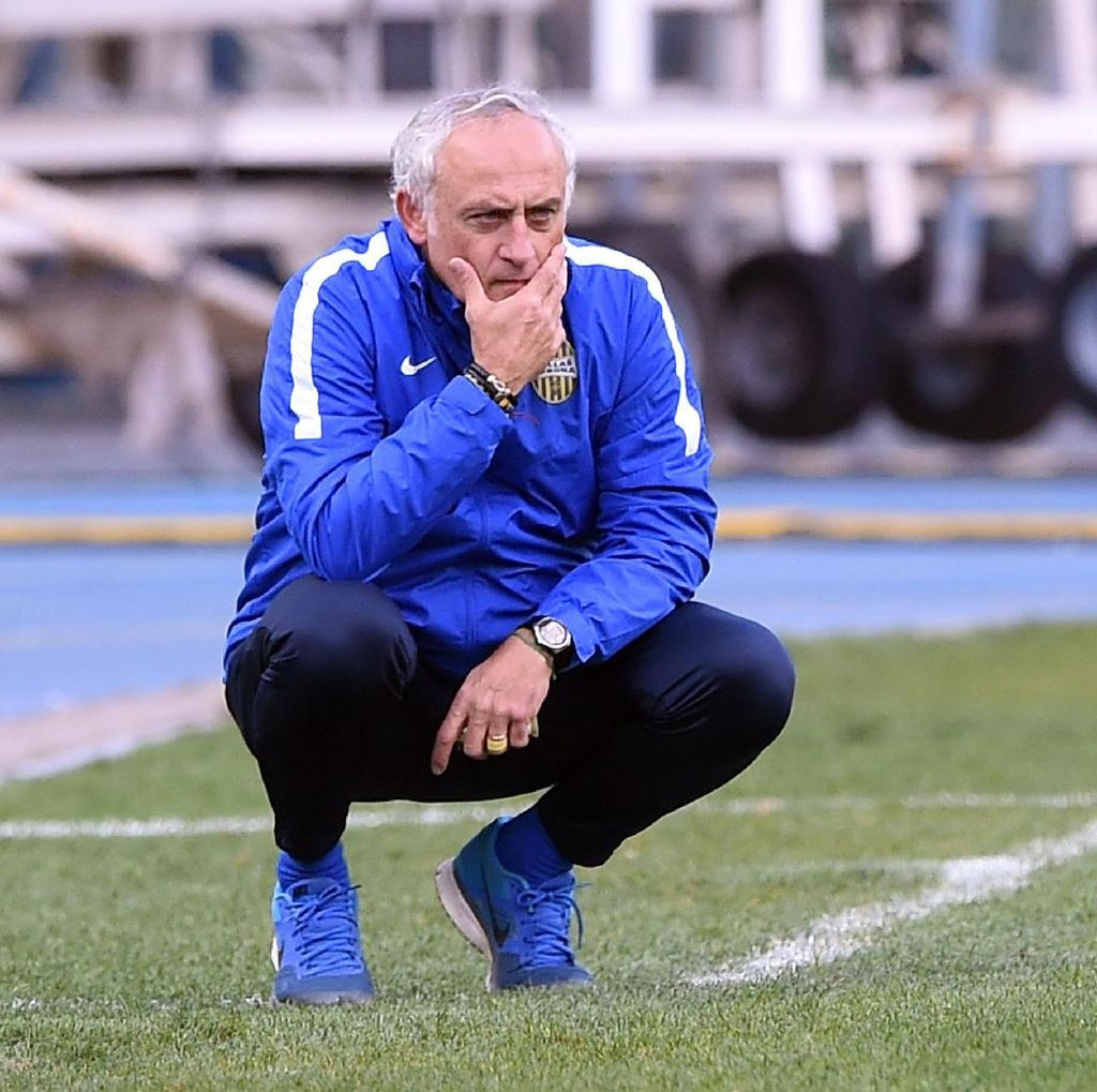 Inter Tengah Dekati Mantan Pelatih Verona?