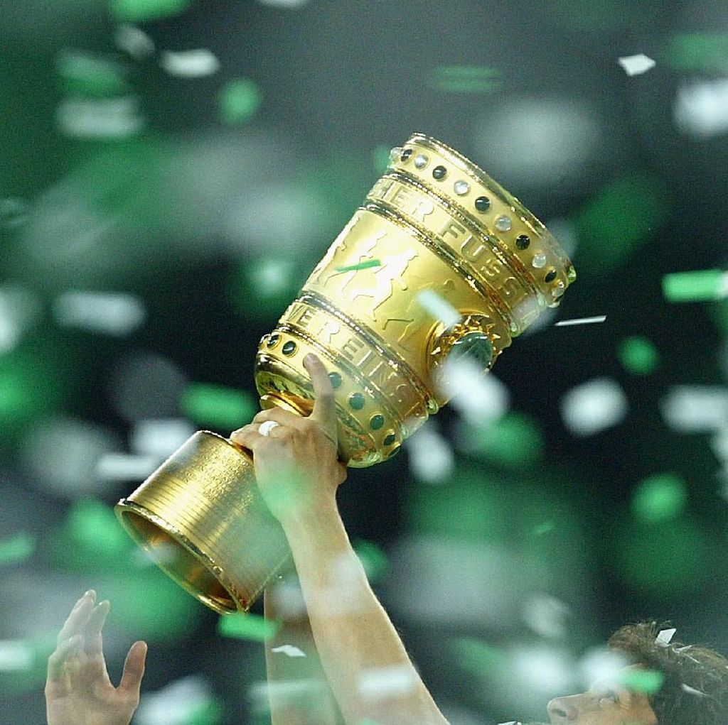 Bayern Melenggang Mulus, Dortmund Susah Payah Lewat Adu Penalti