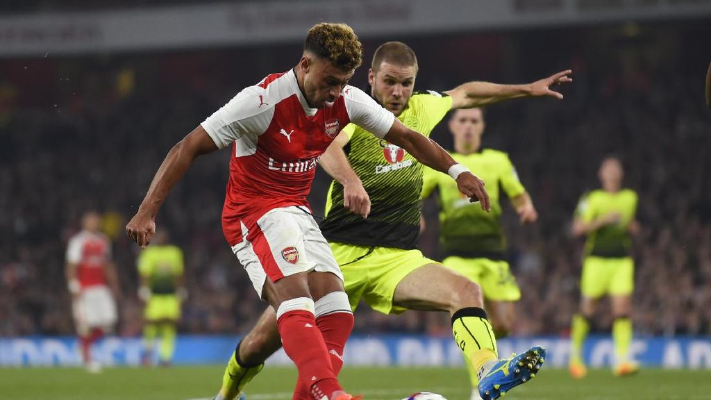 Oxlade-Chamberlain Menangkan Arsenal atas Reading