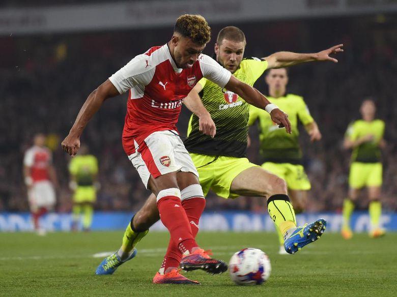 Oxlade-Chamberlain Antar Arsenal Menang Atas Reading