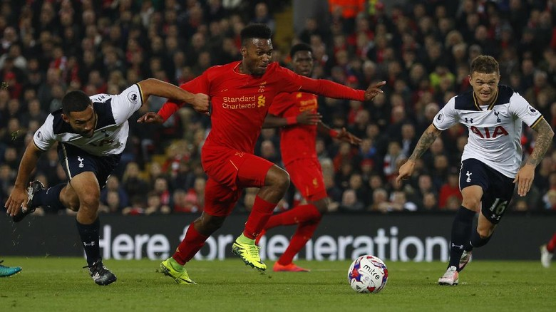 Dua Gol Sturridge Menangkan Liverpool Atas Spurs