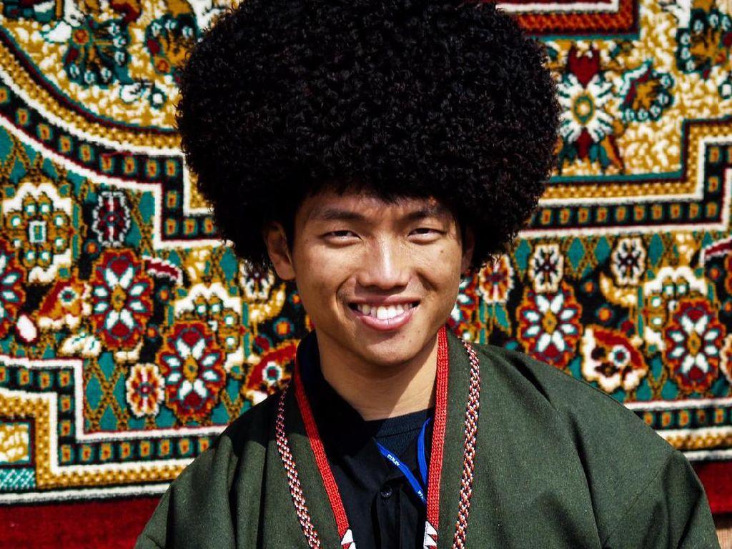 Ada Apa di Asia Tengah? Ini Kata Penulis & Petualang Agustinus Wibowo