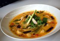 Dapat Rahasia Bikin <i>Tom Yum Pla</i> dan <i>Green Curry</i> Asli Thailand dari Nyonya Pop