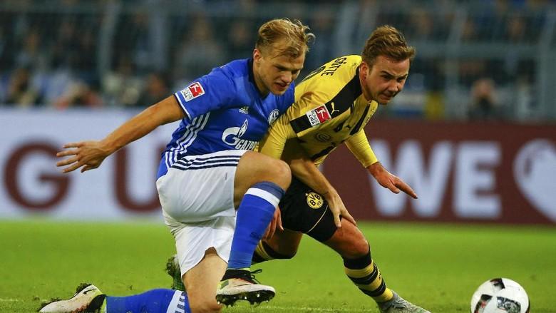 Dortmund  vs Schalke  Bertanding Seri