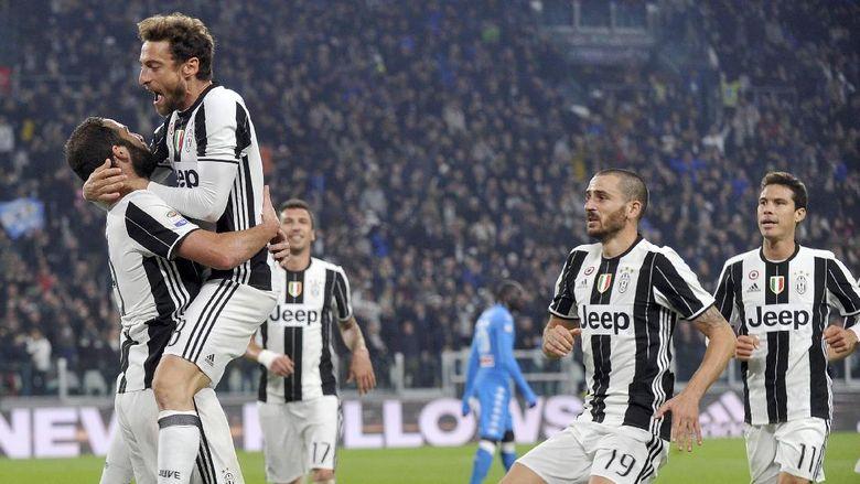 Gol Higuain Antarkan Juventus Menang Tipis 2-1 Atas Napoli