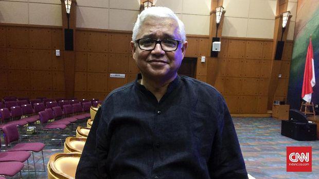 Amitav Ghosh, penulis berdarah India-Amerika yang diundang untuk keliling Indonesia.