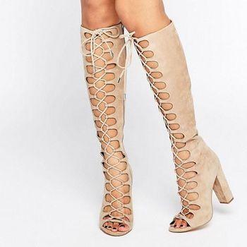 Boots Stylish yang Sesuai 5 Bentuk Kaki dan Betis