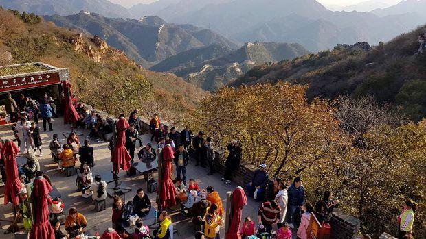 Suasana ramai di Tembok Besar China (Elvan/detikTravel)