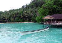 Pemandangan laut biru muda bak di Maladewa, ada juga di Saporkren (Wahyu/detikTravel)