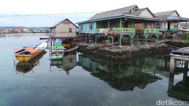 Pemukiman Suku Bajo Mantigola dibangun di atas karang (Bonauli/detikTravel)