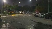 Saat Depan Istana Mencekam: Asap Membubung dan Kobaran Api di Jalanan