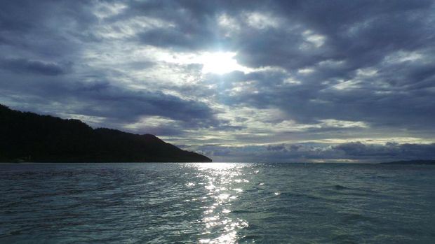 Suasana senja di Pulau Mansuar (Wahyu/detikTravel)