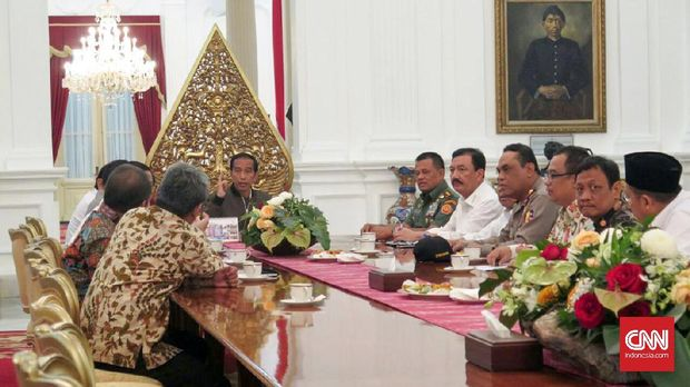 Jokowi menggelar rapat terbatas usai aksi anti Ahok pada 4 November. (CNN Indonesia/Christie Stefanie)