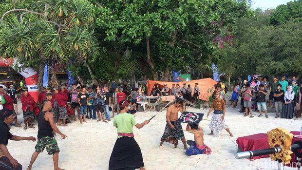 Acara juga diramaikan ritual budaya (Masaul/detikTravel)