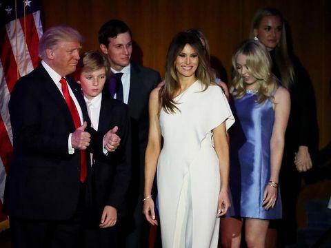 Ralph Lauren Desain Gaun Inaugurasi untuk Melania Trump?