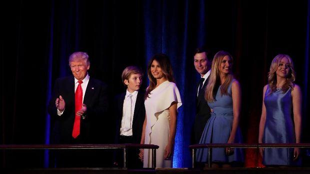 Jelang Inaugurasi, Keluarga Trump Cari <i>Makeup Artist</i> Gratisan?