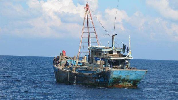 Penangkapan Kapal Berbendera Vietnam di Natuna