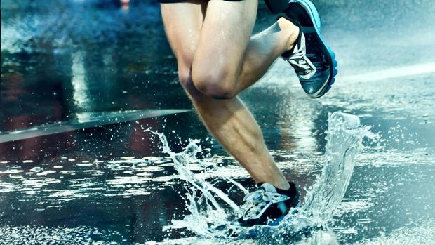 Berlari termasuk olahraga yang murah meriah
