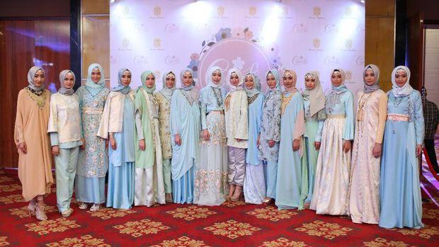 Anniesa Hasibuan Rilis Koleksi Ready to Wear untuk Wanita Metropolitan