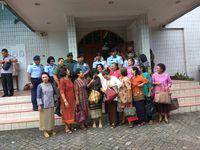 Prajurit TNI dan Jemaat Gereja HKBP Cililitan.