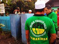Terharu, Relawan Pembersih Masjid Bantu Rapikan Gereja Oikumene Samarinda