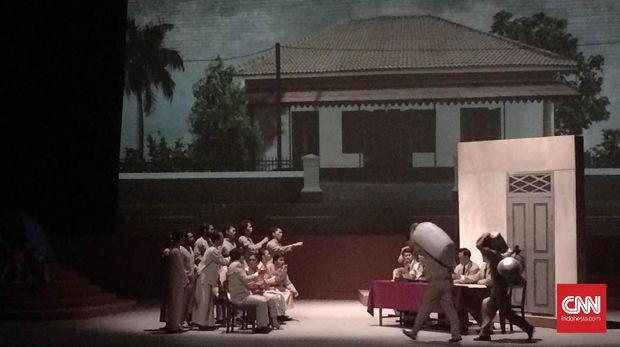 Cuplikan sejarah Indonesia dibalut lewat drama musikal 'Khatuliswa' yang berlangsung sejak 18-20 November 2016 di Teater Jakarta, Taman Ismail Marzuki.