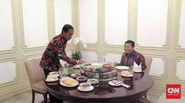Setya Novanto yang Tak Kunjung Legawa Lepas Jabatan