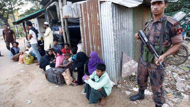 Pengungsi Rohingya diamankan penjaga perbatasan Bangladesh