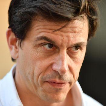 Polemik Bakar Oli untuk Bahan Bakar Jelang Kompetisi F1