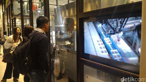 Mesin robotik pembuat coklat (Aryo/detikTravel)