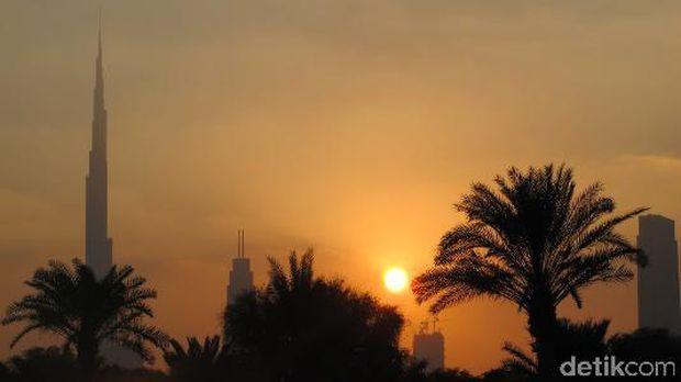 Sunset berlatar Burj Khalifa (Afif/detikTravel)