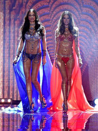Seperti Ini Bedanya Show Victoria's Secret di Tahun 90-an dan Era Millennial