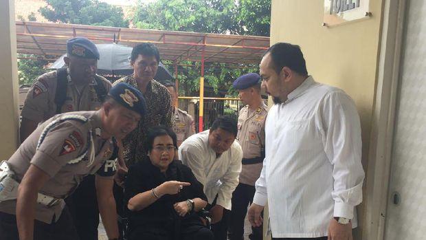 Polisi Periksa Rachmawati Seokarnoputri di Mako Brimob