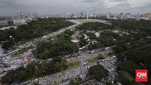 Aksi warga terkait kasus penistaan agama oleh mantan Gubernur DKI Jakarta Ahok merupakan salah satu kejadian berat yang dihadapi polri.