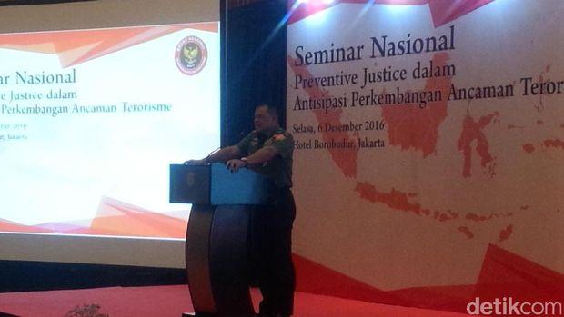 Panglima TNI Jenderal Gatot Nurmantyo dalam Seminar Nasional Preventive Justice dalam Antisipasi Perkembangan Ancaman Terorisme di Hotel Borobudur, Jakpus, Selasa (6/12/2016)