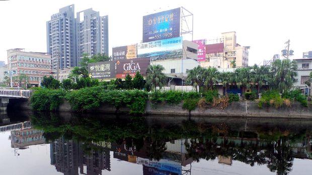 Sungai Cinta sekarang jadi bersih, padahal dahulu sangat tercemar (Wahyu/detikTravel)