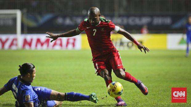 Boaz Solossa pernah menolak tawaran dari sejumlah klub luar negeri.