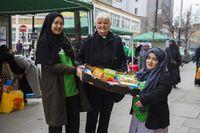 Muslim di London Donasikan 10 Ton Makanan bagi Tunawisma yang Rayakan Natal