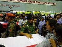 Panglima TNI Beri Penghormatan Terakhir ke 13 Jenazah Korban Hercules
